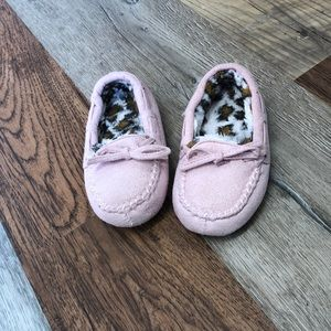Girls slippers pink moccasins toddler size 9-10